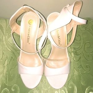 "Chase & Chloe ""Spade"" box heels"